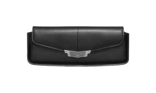 Горизонтальный чехол Vertu Signature S из черной седельной кожи с застежкой из стали
