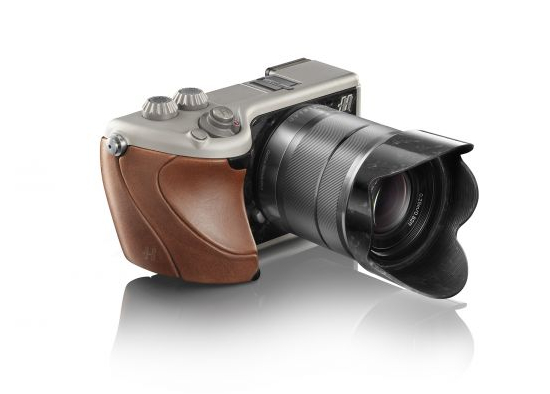Hasselblad Lunar Brown Tuscany leather & Titanium